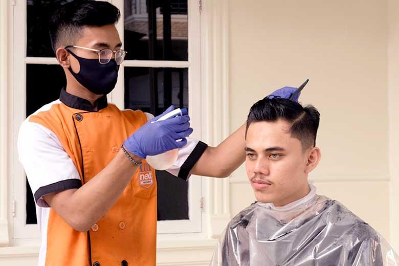 Hair Cutting Home Visit - Percayakan Perawatan Rambutmu Pada Ahlinya Next Premium Barbershop - Hair Cutting Home Visit