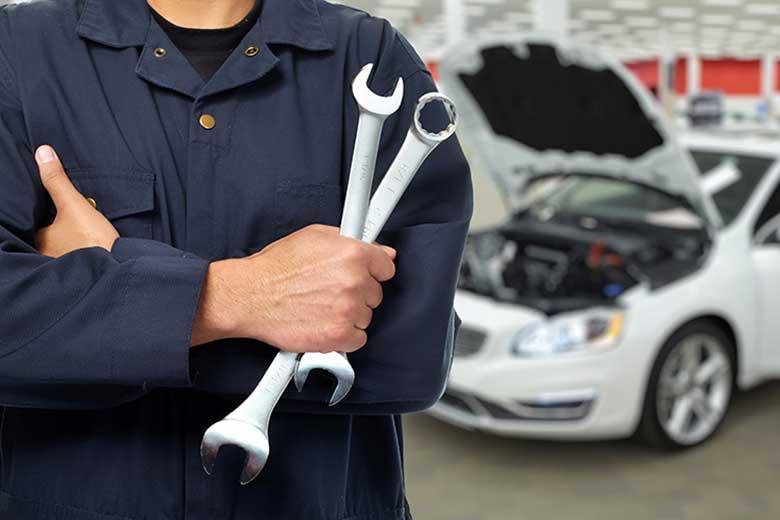 Rutin Service Mobilmu Oleh Professional Terpecaya - Executive Car and Care - Service Rem