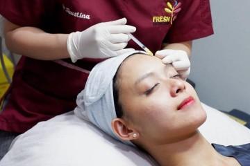Paket Facial  Massage serta Whitening Totok Aging  Oxy Jet Firming from FRESH FACE Skincare Clinic - 1x Oxyjet Cooling Spray  Serum Pori Kecil  Pengencangan