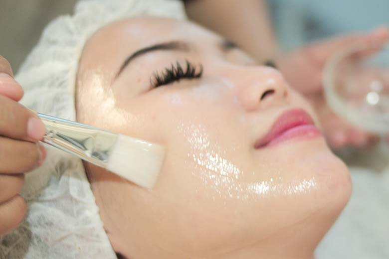 NEW Treatment FACIAL 1 HOURS  Miracle Black Detox and Dermabrite Facial With Highest Service Quality Awards only at Miracle Aesthetic Clinic - Miracle 1 Hours Facial  Brightening